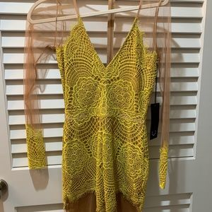 For love and lemons Antigua dress small NWT's 🍋
